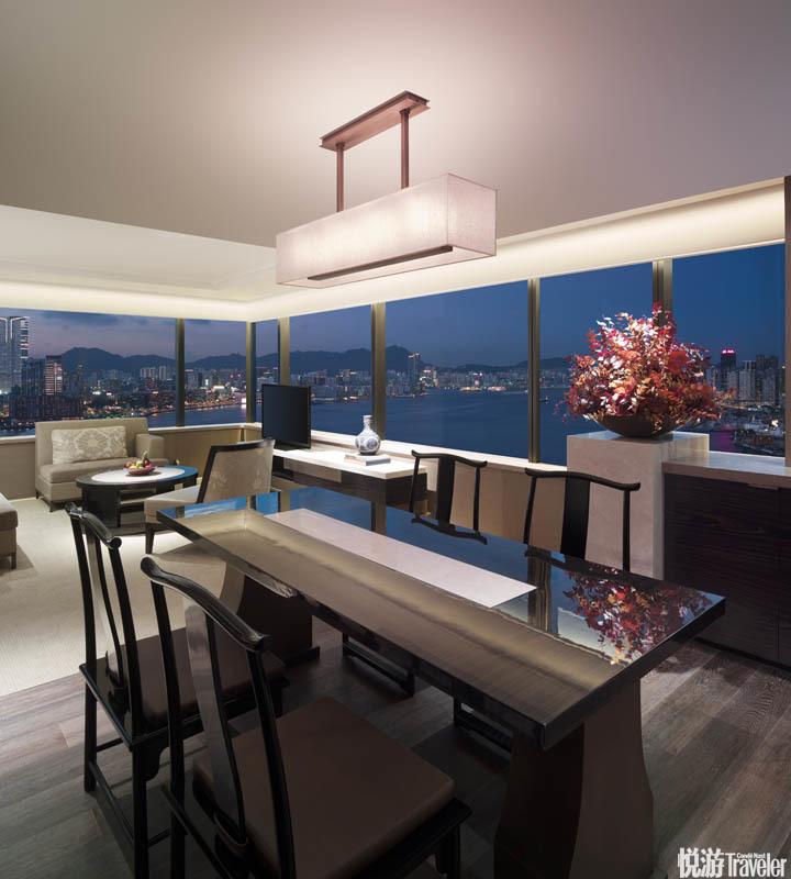 香港君悅酒店 Grand Hyatt Hong Kong:這間毗鄰香港會展中心的酒店新近完成了大規模翻修,539間客房都一...