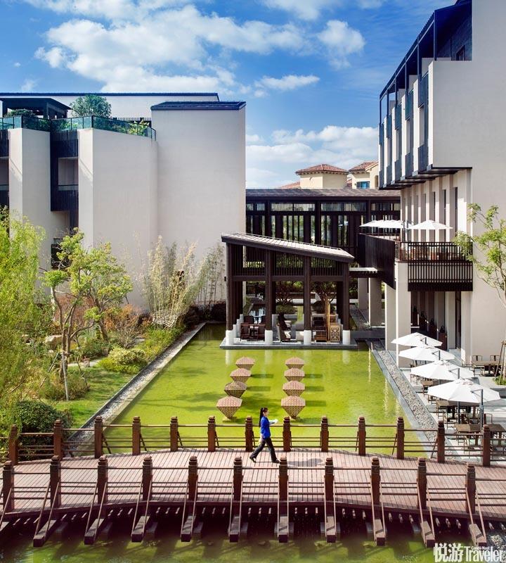 崇明金茂凯悦酒店 Hyatt Regency Chongming:酒店位于上海后花园崇明岛,内部运用大尺度通透空间营造当代...