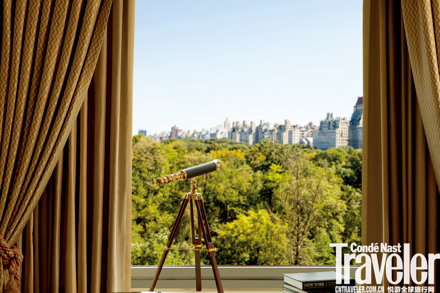 美國紐約中心公園麗思卡爾頓酒店:麗思卡爾頓接手后,對這座Art Deco華廈進行了為期三年的翻修,內部完全...