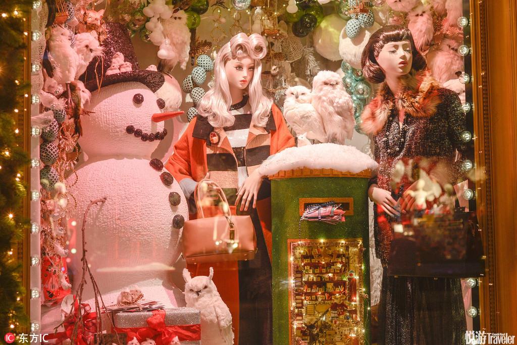 当地时间2016年11月22日,爱尔兰都柏林,Brown Thomas百货公司推出圣诞橱窗。