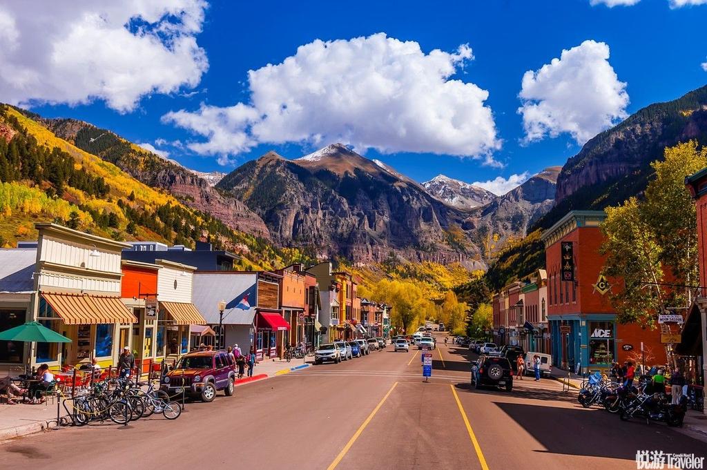 美国特柳赖德美国科罗拉多州的特柳赖德有着绝美的落基山脉景色,还有具有挑战性的滑雪地势,走在小镇上,...
