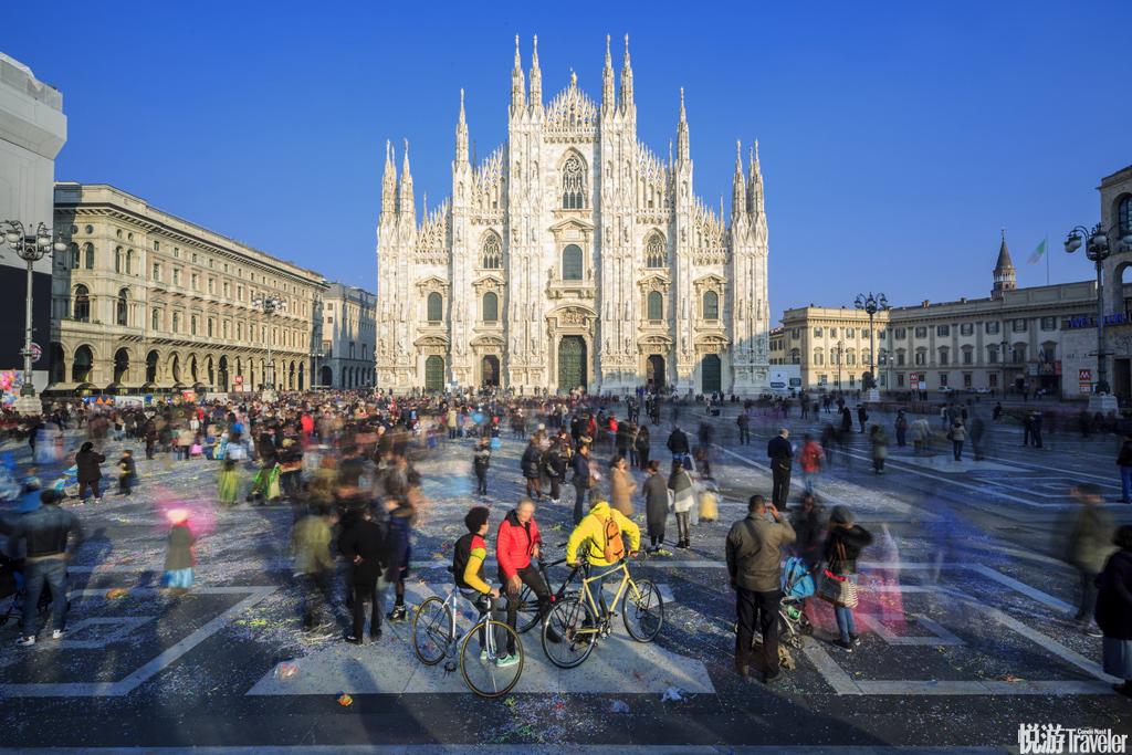 米兰的轴心是海拔123米的米兰大教堂广场(Piazza del Duomo),城市主干道从这里像射线一样向四周发散,...