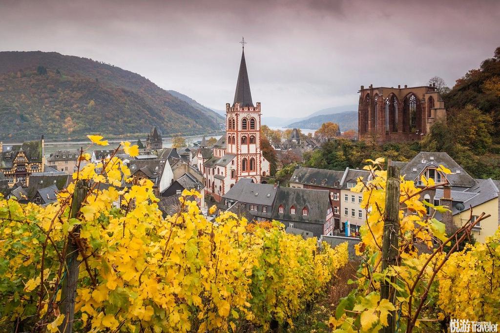 巴哈拉赫镇(Bacharach),德国巴哈拉赫镇坐落在德国莱茵河畔边,这也给这座小镇增添了许多美感。许多到...