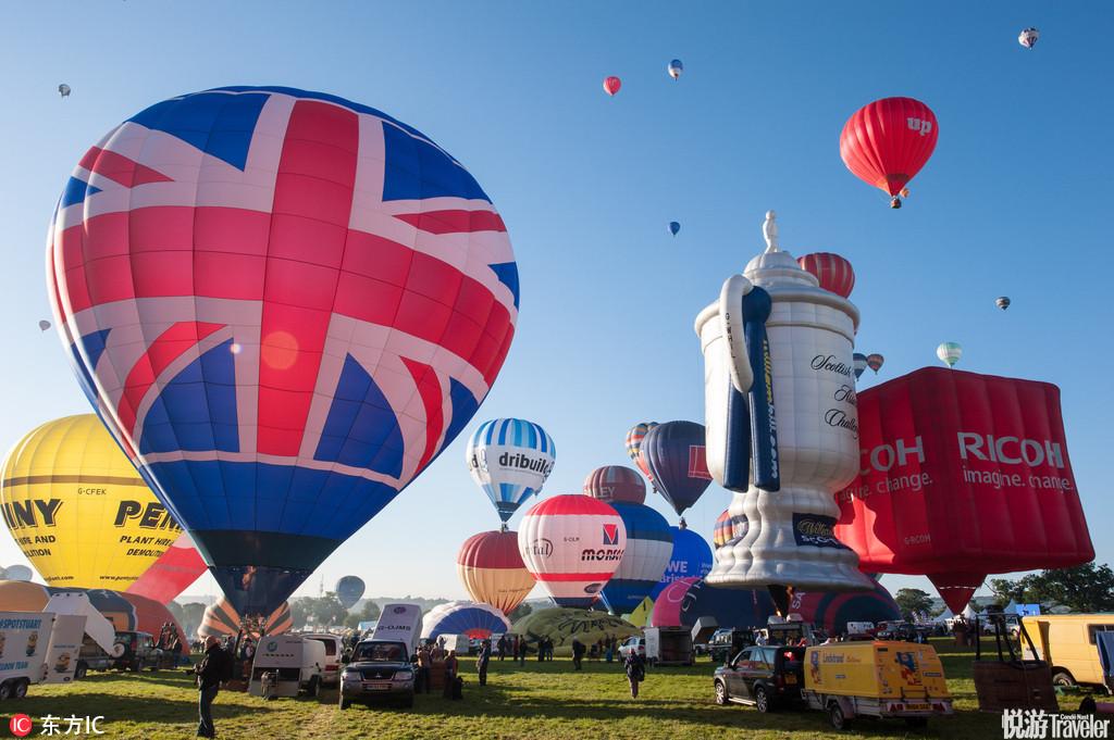 布里斯托爾國際熱氣球節與商業緊密相連,每個熱氣球都代表著一家公司的廣告創意。這些公司把自己的品牌名...