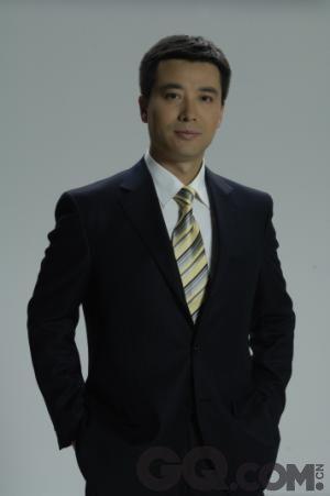 郭志坚1996年进入北京电视台播音部担任《北京新闻》播音员,两年后调入中央电视台播音组,先后主持《晚间新闻报道》、《现在播报》等新闻节目。在以冷峻、严肃表情为主的央视,郭志坚可以说是新闻主播里笑容最多的一个。