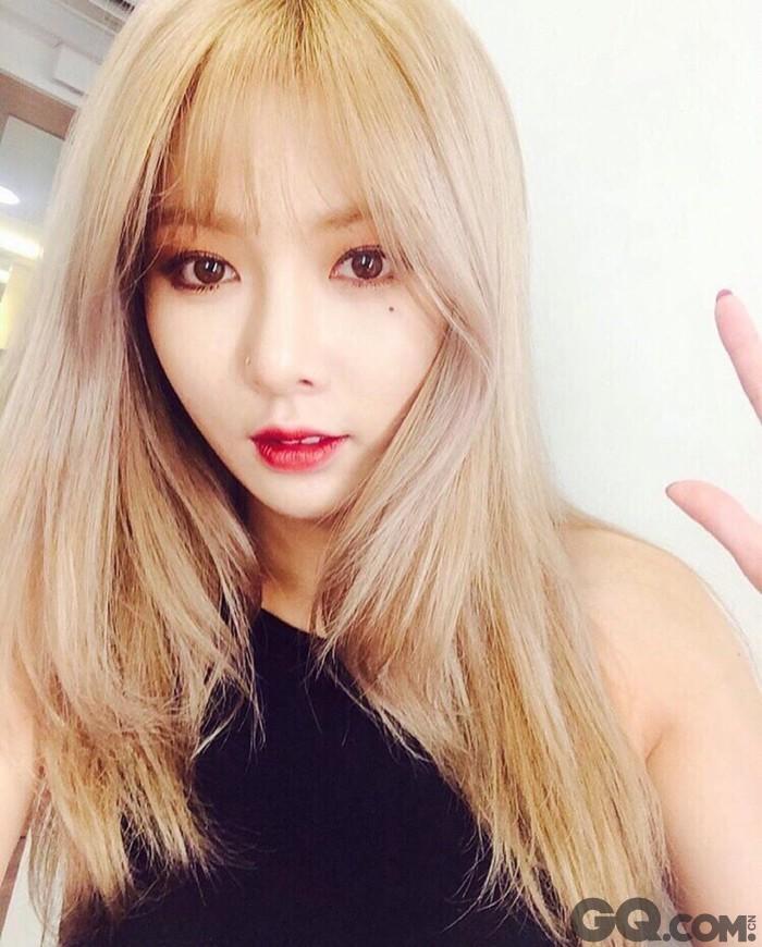 金泫雅外表甜美可爱的她舞蹈性感,节奏强劲,被称为大韩民国最会跳舞