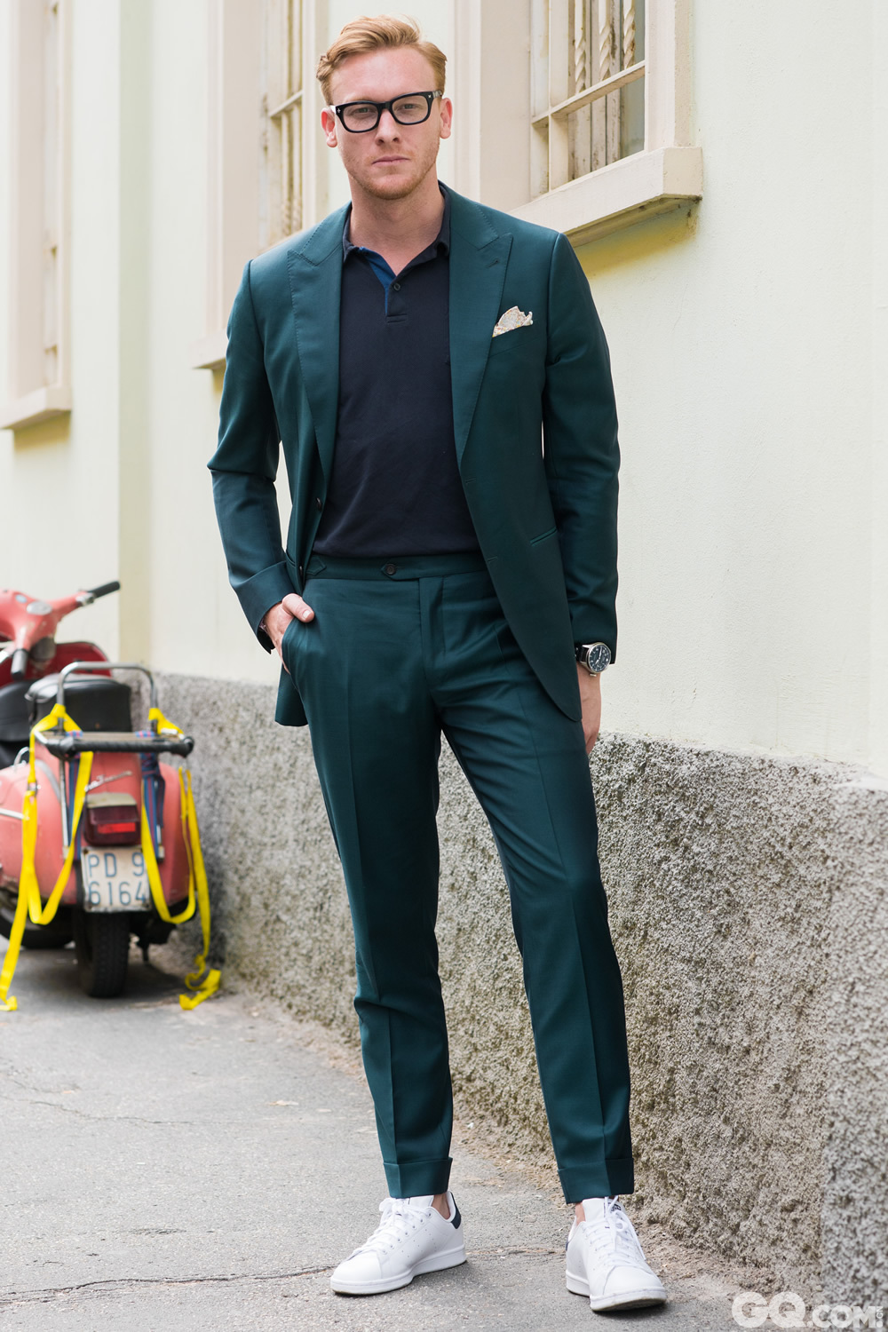Luc Look: Oscar Hunt Taylors Polo: Sunspel Shoes: Adidas Watch: IWC  Inspiration: I love this green emerald, very bright but also quite dark (我很喜欢这种翡翠绿,既明亮又深沉)