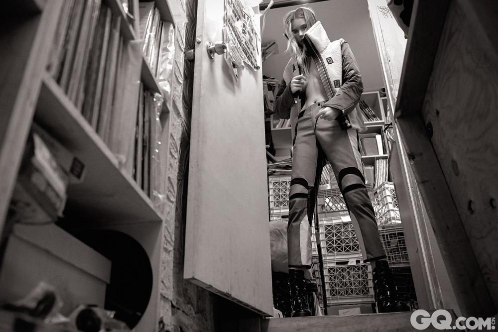 当地时间2016年8月16日,近日,Rag & Bone 2016秋冬广告大片发布,超模Abbey Lee Kershaw与Freja Beha Erichsen携手演绎。