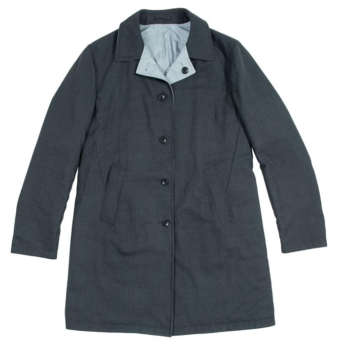 WOOSTER + LARDINI兩面穿大衣  (連卡佛獨家)¥9,900  這款大衣采用兩面穿款式,時尚與實用兼備,分別采用單色及橫紋拼貼設計,讓您隨心所欲打造百變造型。