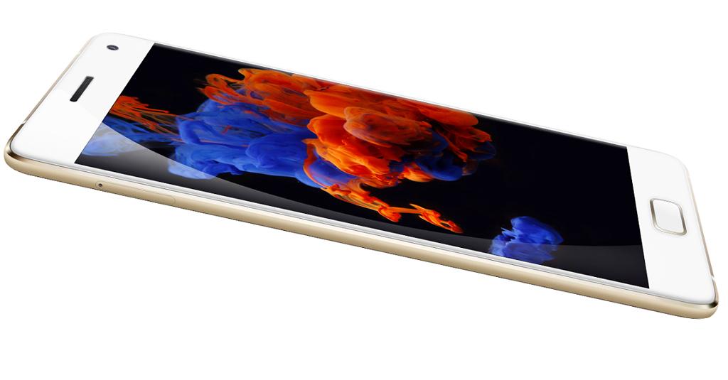 NO.2AMOLED 去年3月份,苹果推出SE手机,目的是打开小尺寸手机的市场,这样的产品还包括ZUK Z2 但是现在市场上的手机尺寸都在5.2-5.5英寸左右,而且消费者已经习惯这类尺寸的手机,低于5英寸的手机,会让我们的双手和双眼都很难适应,所以销量急剧下降。所以行业普遍认为回归小屏幕基本没有可能。现在基本都在开发新的屏幕以及新的屏幕尺寸,例如三星Galaxy Note7,5.7英寸的显示屏,但是宽度去远远低于5.5英寸的iPhone7 plus,所以曲面屏是以后的发展趋势,而且其拥有很多的优点。