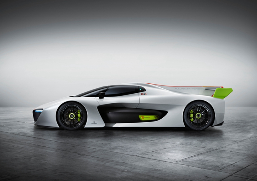 借鉴勒芒赛车元素打造出的车身,让这辆H2 Speed有着赛车一样的超低风阻系数以及绝美的流线造型。虽然H2 Speed外观造型简洁,但是恰如其分的造型点缀让它显得十分耐看。