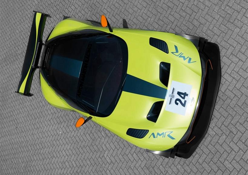 在刚刚开幕的古德伍德速度节期间,阿斯顿•马丁发布了旗下Vulcan AMR Pro特别版车型的官图。新车基于Vulcan普通版车型打造,并增加了一系列运动套件,车辆的性能将进一步增强。