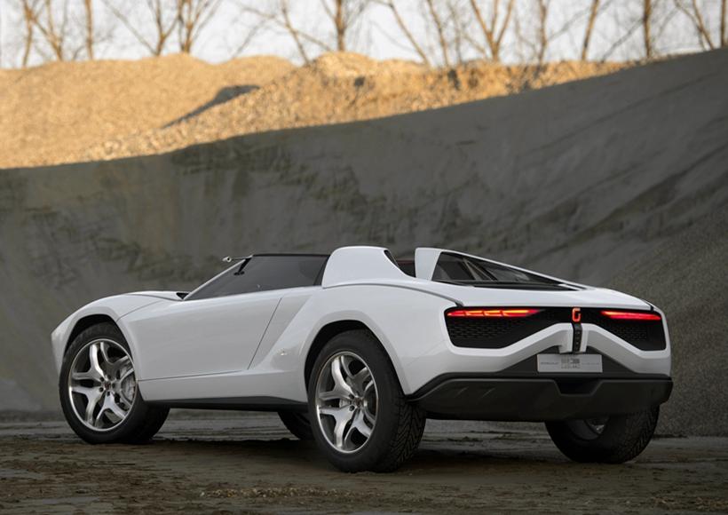 此外,兰博基尼提供的5.2升V10发动机又给予这惊艳的造型一份应有的实力。3.6秒的百公里加速让这辆Parcour实至名归,也难怪兰博基尼自己都忍不住诱惑推出了自家的SUV性能车型。