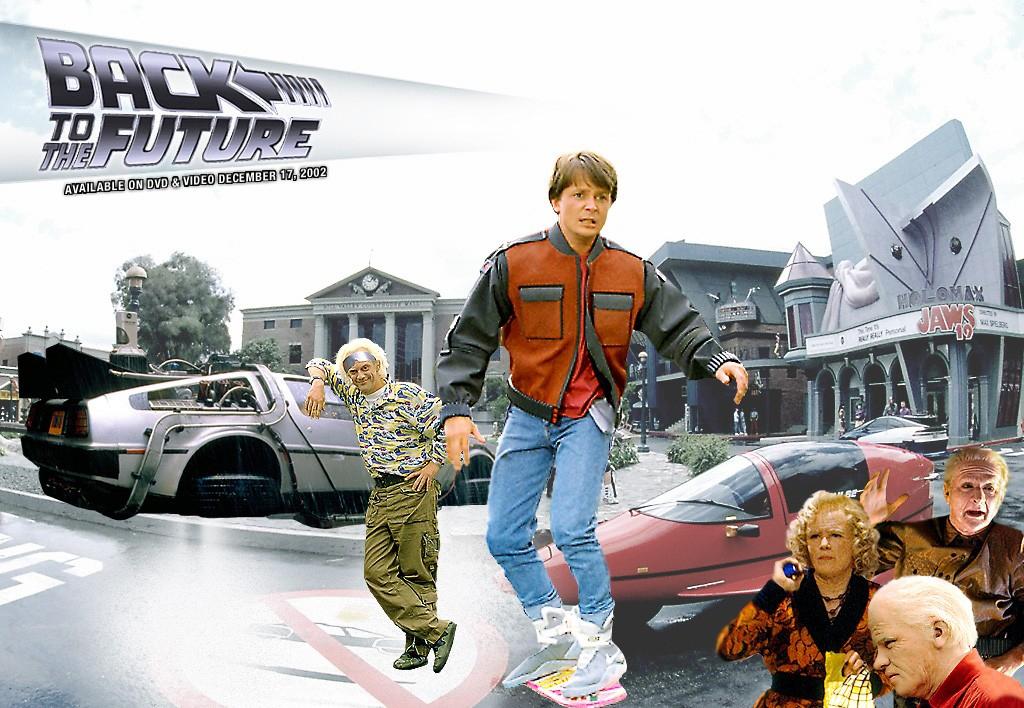 NO.2《回到未来2》与智能穿戴、无人机 《回到未来2》是1989年上映的科幻电影,在同类型电影中具有重要地位。虽然2015年已经过去,对于我们来说平常度过,但是对于电影的主角可就不同啦。他们来到了20多年以后,看到的是满街机器人、飞行汽车、无人机等,虽然我们现在有的还没实现,但是正在朝着这个方向发展,可见作者的眼光还是很准。