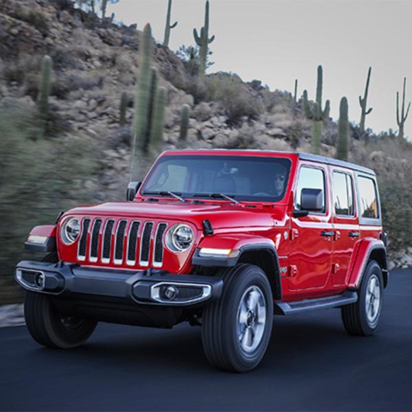 在美洲亞利桑那州和Jeep一起窺探男人都有的夢想