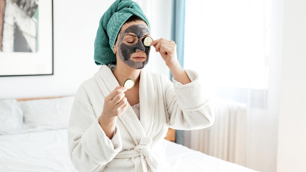 卸妆、洗脸、清洁面膜......夏天怎么让脸一直很干净?
