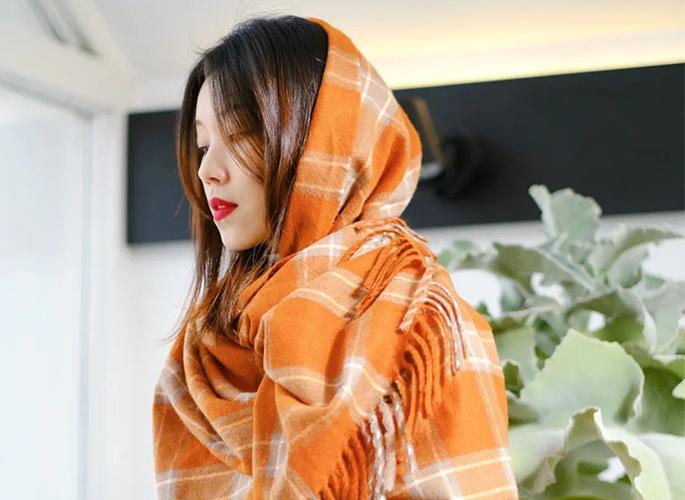 这个寒冬,跟着Lisa虞书欣一起玩转围巾的7种花式系法吧