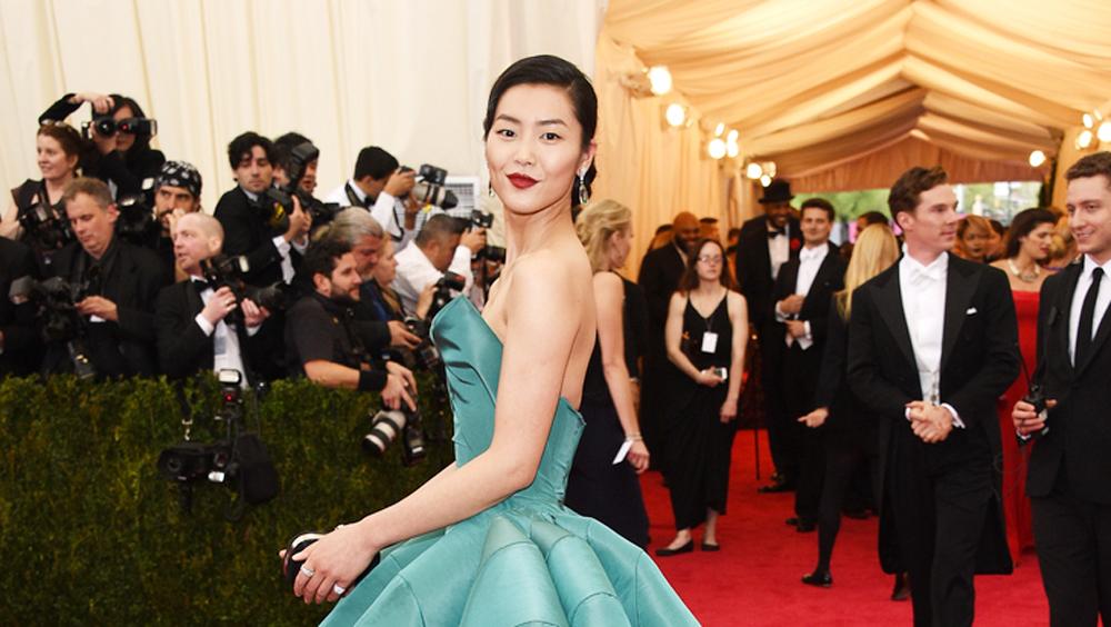 如果刘雯参加年会 你猜她会穿什么?