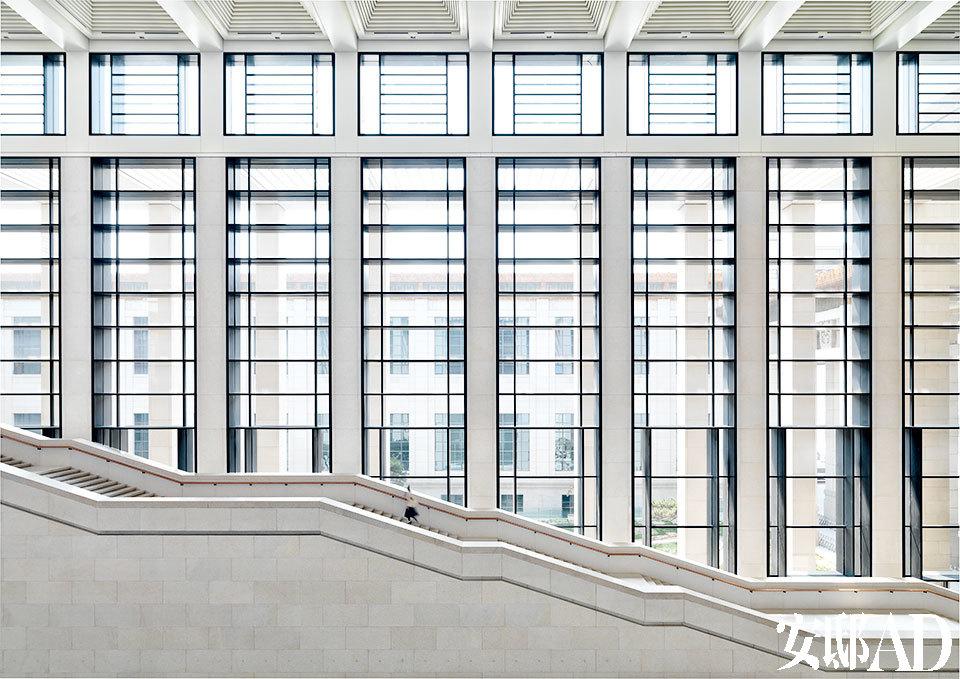 建筑项目从方案设计,施工建造直至室内装修都全面负责,几乎所有的德
