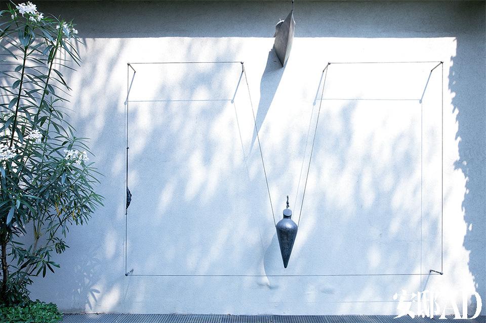 米兰的传奇画廊Gió Marconi Gallery搬了家,搬到了距离旧址不远的Via Tadino 20。这儿是米兰最多元、丰富、国际化的区域,也是米兰的文化中心。