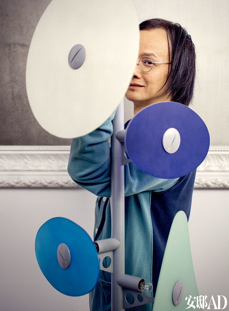主人:姚谦,华语流行乐坛音乐人、作家。代表著作包括《鲁冰花》《我愿意》《如果爱》《脚趾上的星光》等。