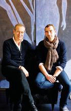 主人:Nicolas Hertrich(左)Marc Adnet(右)。主人:Nicolas Hertrich(左)Marc Adnet(右)已经相识10年,他们合作完成了许多高端设计项目,尤其专注于豪华酒店的设计。他们的作品包括戛纳的Martinez酒店、日内瓦的 Tiffany酒店和索菲特集团旗下位于华沙、里斯本和卡萨布兰卡等地的酒店。但真正让他们声名鹊起的还是他们为世界各地Club Med度假村进行的设计(普吉岛、尤卡坦、阿加迪尔和巴厘岛等),2013年9月刚刚在我国桂林落成的Club Med度假村就是他们的大作。