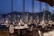 香港半島酒店 The Peninsula Hong Kong:這位1928年問世的遠東貴婦顯然是位與時俱進的時髦外婆,她先是為...