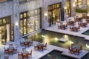 三亞亞龍灣瑞吉度假酒店 The St.Regis Sanya YalongBay Resort:位于亞龍灣,百米長的私人沙灘是漫步的好...