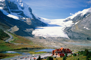 加拿大阿尔伯塔省冰原公路。