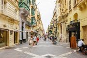 当提到马耳他,人们最先会想到什么?  是当今闻名遐迩的旅游度假天堂,大热影视巨作的首选海外取景地,还...