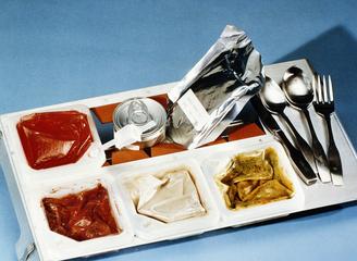 从牙膏管到太空种菜 宇航员的太空食物进化论