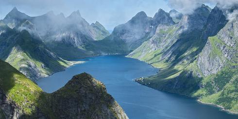 翼裝飛行,俯瞰挪威峽灣的曠世美景