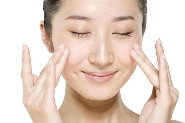 造美人帮你盘点五大化妆雷区,化妆品过敏问题