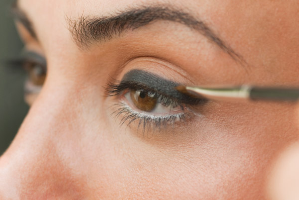 5个方法,让你的眼线整日持久