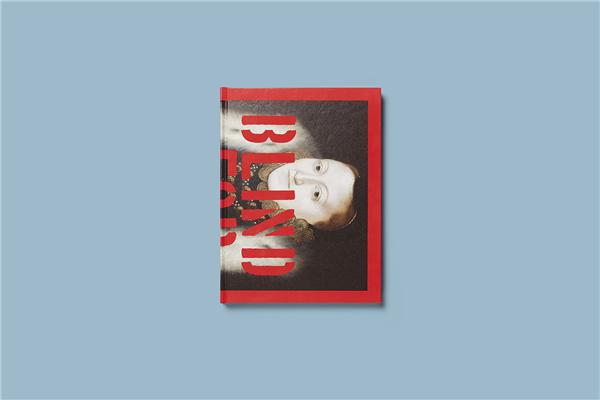 出全新的限量版书籍-《执迷于爱 Waplington拍摄的最新作品,用镜