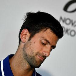 德约科维奇出席新闻发布会 宣布2017赛季因肘伤报销