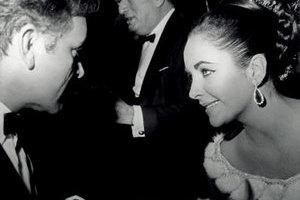 伊丽莎白•泰勒  源于罗马的珠宝奇缘
