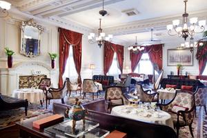 外滩华尔道酒店夫下午茶将以你的小黑裙设计推出限量款蛋糕!
