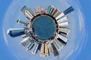 """另类视角演绎城市天际 360度全景勾勒出一个青岛""""星球"""""""