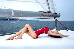 少女与游艇