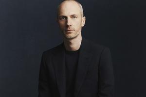 dunhill任命新任创意总监以及Tim Walker要拍倍耐力