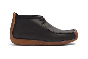 上个世纪60年代的沙漠靴长这样