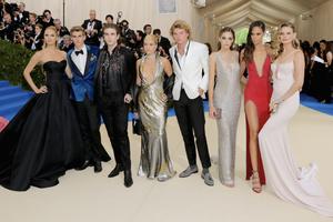 Met Gala今年的主题是时装与宗教 明星们要怎么穿?