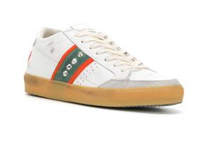 酷酷的复古感 铆钉仿旧版鞋