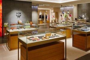 MCM携手木村光希庆祝东京银座旗舰店盛大开幕 全球最大旗舰店将艺术、时尚与文化相融合