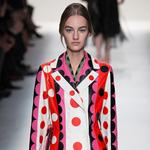 如果女人一生只买一件大衣 过膝大衣准没错