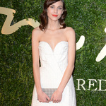 穿上一条小白裙 世界都变清爽了