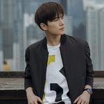 万宝龙品牌大使杨洋佩戴全新智能腕表SUMMIT 2开启都市探索