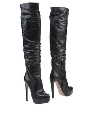 黑色 PRADA 靴子