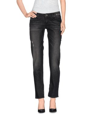 黑色 GUESS 牛仔裤